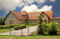 stort hus Arkivfoto