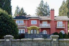 stort hus royaltyfria foton
