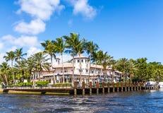 Stort hus i Fort Lauderdale Arkivfoton