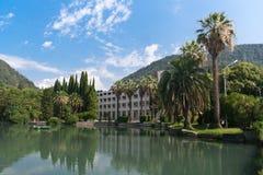 Stort kloster- damm på nya Athos Abkhazia Arkivbild