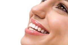 Stort leende med raka vita tänder Fotografering för Bildbyråer
