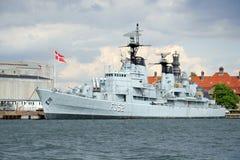 Stort militärt skepp i Kobenhavn, Köpenhamn, Danmark Arkivbilder