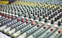 Stort musikblandareskrivbord royaltyfria foton
