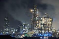 stort oljeraffinaderi Arkivbilder