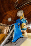 Stort optiskt teleskop för gammal trofé Fotografering för Bildbyråer
