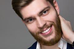Stort rött skägg för manlig modell Royaltyfri Foto
