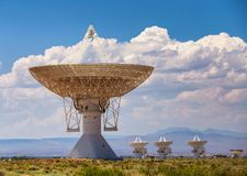 stort radioteleskop för öken Arkivbild