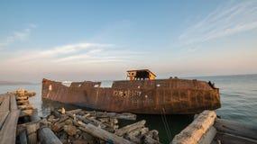 Stort rostigt skepp Fotografering för Bildbyråer