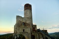 Stort torn i ChÄ™ciny Fotografering för Bildbyråer
