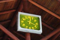 stort utomhus- för klocka Arkivfoton
