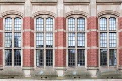 Stort utsmyckat fönster arkivbilder