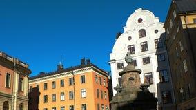 Stortorget offentlig fyrkant i Stockholm stan gamla sweden stock video