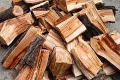 Stortplaats van het brandhout Stock Afbeeldingen