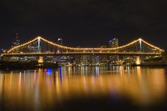 Story bridge by night from side 2 Royalty Free Stock Photos