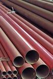 Stos czerwony przewód instalować na budynku Zdjęcie Royalty Free