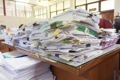 Stos dokumenty na biurku Zdjęcie Royalty Free