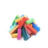 Stos kolorowa pastelowa kredka pisze kredą odosobnionego obrazy stock