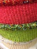 Stos kolorowy okrąg wyplatający koszykowy tło obrazy stock