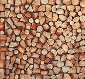 Stos naturalne drewniane części bele dla tła obraz royalty free