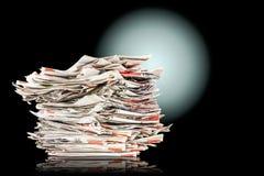 Stos stare falcowanie gazety obraz stock