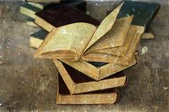 Stos stare książki fotografia stock