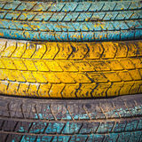 Stos stare opony i koła dla gumy Fotografia Royalty Free