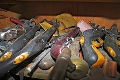 Stos starzy roczników pistolety zdjęcie royalty free