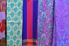 Stos tradycyjni kolorowi Arabscy scarves Zdjęcie Stock
