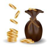 Stos złociste monety i rzemienna torba Obraz Royalty Free