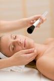 stosować opieki facial proszka salonu kobiety fotografia royalty free