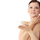 stosować kremowej twarzy moisturizer kobiety Obrazy Royalty Free