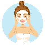 stosować maskowej facial kobiety Zdjęcie Royalty Free