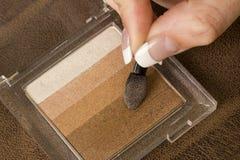 stosować oka kobiety palców makeup cienia biel Zdjęcie Royalty Free