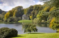 Stourhead arbeta i trädgården Wiltshire Arkivfoton