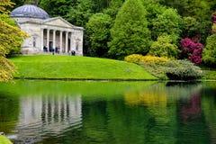 Stourhead - lac et Panthéon Image stock