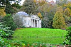 Stourheadtuin en Tempel in de Herfst royalty-vrije stock fotografie