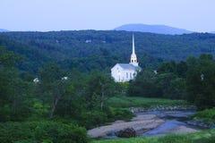 Stowe Communautaire Kerk bij schemer Royalty-vrije Stock Fotografie