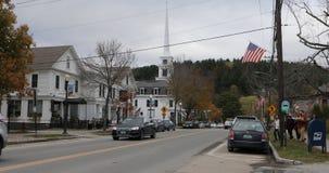 Stowe, escena de la calle de Vermont en la última caída 4K almacen de metraje de vídeo
