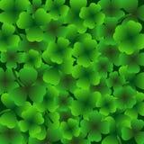 StPatrick-` s Tageshintergrund, am 17. März Lucky Day, Grün verlässt Lizenzfreie Stockbilder