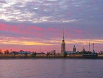 StPetersburg, puesta del sol Imagen de archivo libre de regalías