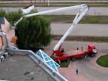 sträcka på halsen lastbilen Arkivfoto