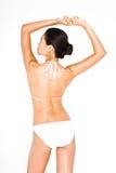 Sträckning i en bikini Royaltyfri Bild