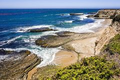 Strände und Klippen auf der Pazifikküste, Wilder Ranch State Park, Santa Cruz, Kalifornien lizenzfreie stockbilder