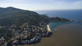 Strände und paradisiacal Plätze, wunderbare Strände auf der ganzen Welt, Restinga von Marambaia-Strand, Rio de Janeiro, Brasilien stockbild