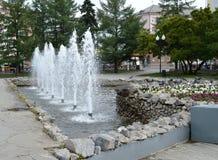 Strålar av vatten i springbrunn Fotografering för Bildbyråer