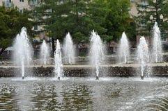 Strålar och färgstänk av vatten Royaltyfri Bild