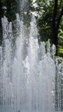 Strålarna av springbrunnen arkivfoton