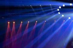 Strålkastare med laser-strålar Royaltyfri Foto