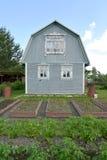 Stróżówka z łamanym dachem na kraj sekci Zdjęcia Royalty Free