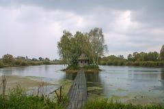 Stróżówka na jeziorze Zdjęcia Stock